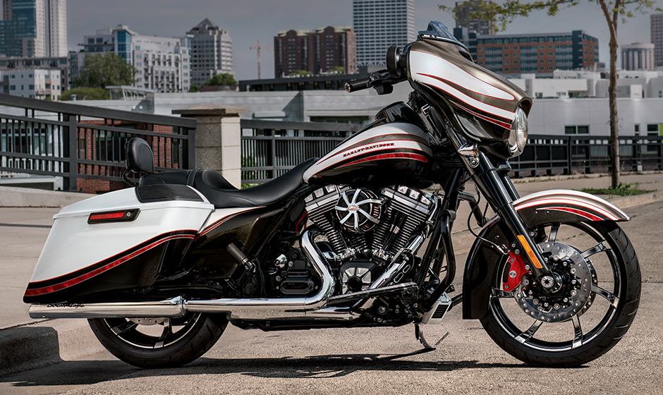 Wide Glide 2015 besides Custom Harley Davidson Trikes besides Cafe Racer together with 2016 Road Glide Ultra Limited as well BIKE INFO 40 15 E. on harley davidson ultra classic 2015